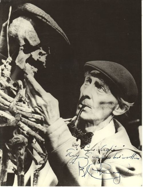 ronaldcmerchant:  Peter Cushing and freind