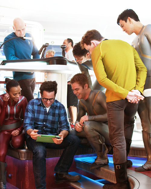 motherfudgerfudge:  The cast of Star Trek: Into Darkness deciding what to order from Motherfudger. They seem pretty excited by it. (Srsly go see this movie right now, drop what you're doing and go see it then come home and order some Motherfudger)