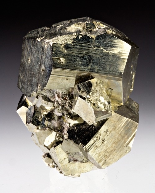 mineralia:  Pyrite from Utah by Dan Weinrich