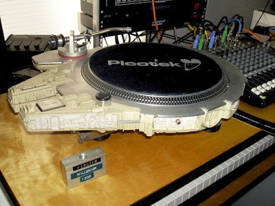 Star Wars Millennium Falcon turntable
