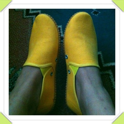 this time am wearing yellow.. for a change!