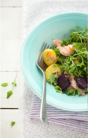 xosweeties:  salad with tunfish & potato