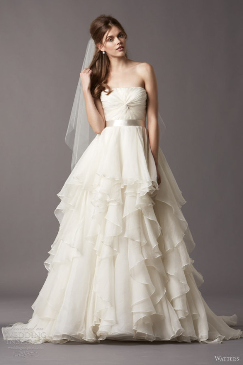 http://www.weddinginspirasi.com/2013/05/03/watters-brides-fall-2013-wedding-dresses/2/