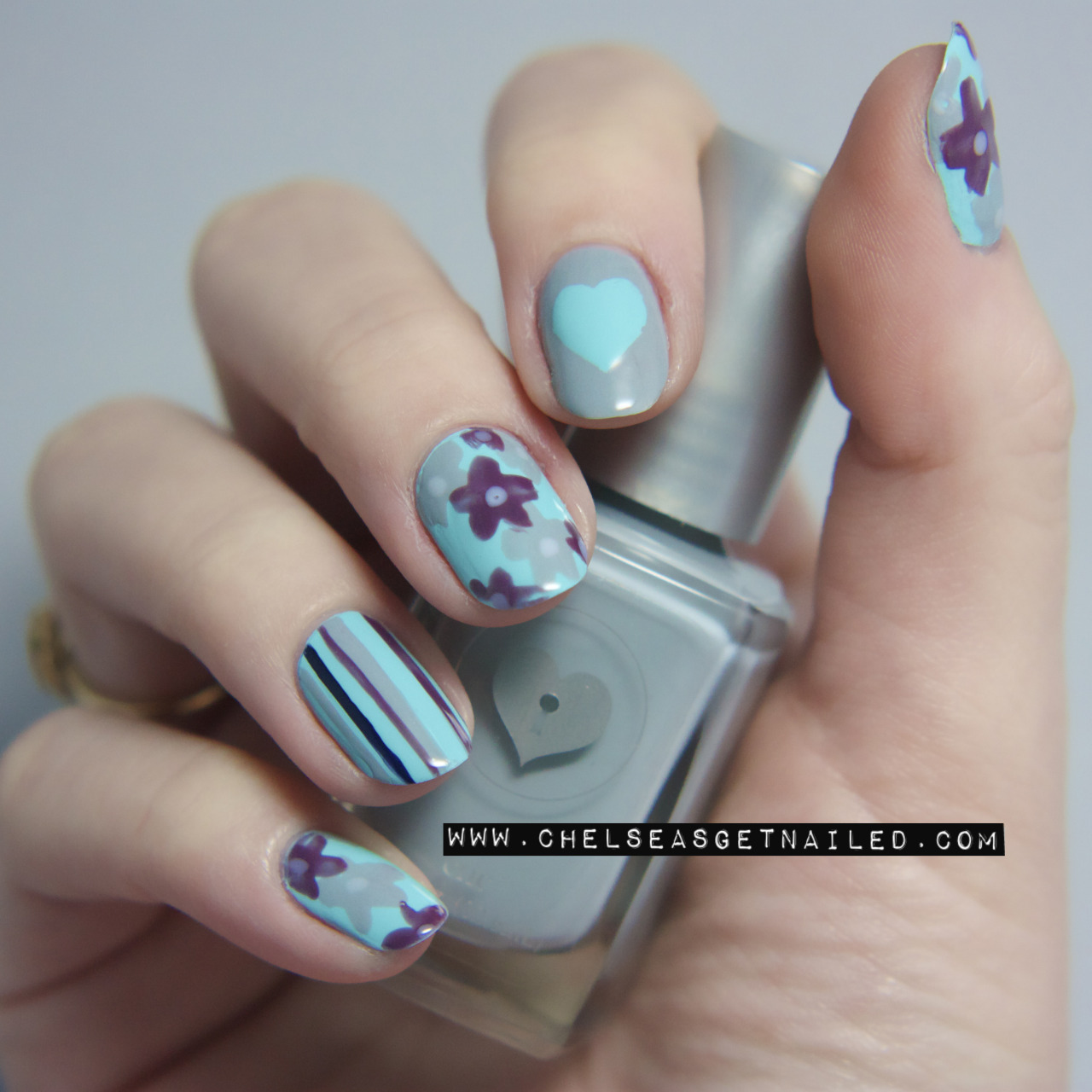 "getnail-d:  ""Camille's Nail Colour"" Floral Nails Super easy and cute for Spring! See the tutorial here."