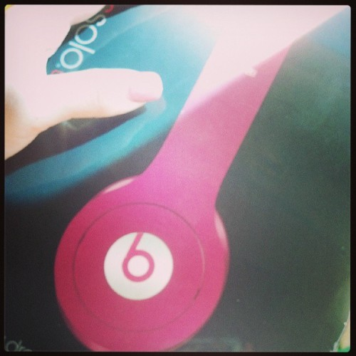 Yay for me :D #finally got myself some #solohdbeats #hd #beatsbydre #beats #happycamper #workhardplayhard :) #rewardingmyself #pink