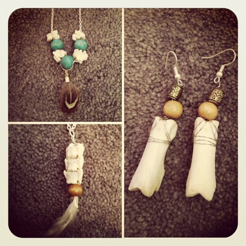 Made some bone jewelry with @natasha_grayson #bones #bonecollecting #jewelrymaking #crafts #diy #vertebre