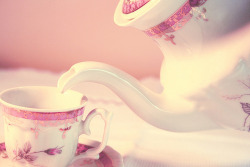 plaidsky:  pastel, pink, pretty - inspiring picture on Favim.com on @weheartit.com - http://whrt.it/166bCHHI love teapots.