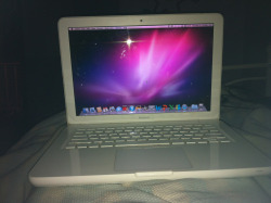 waichichi:  ~GIVE AWAY~  So Im giving away this macbook. Ill pick the winner April 1st.  - Must be following me. - Reblogs only - Likes dont count.    - Ill pick the URL randomly.   Good luuuuuck!