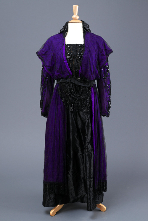 Dress ca. 1910 From the Hull Museums