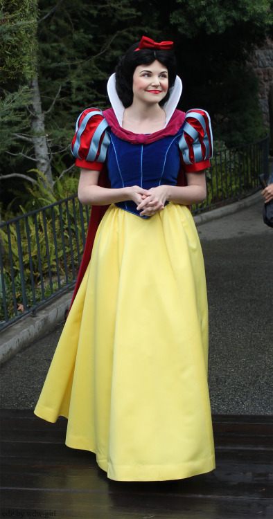 Once Upon A Time's Snow White (Ginnifer Goodwin) As The Classic Snow White