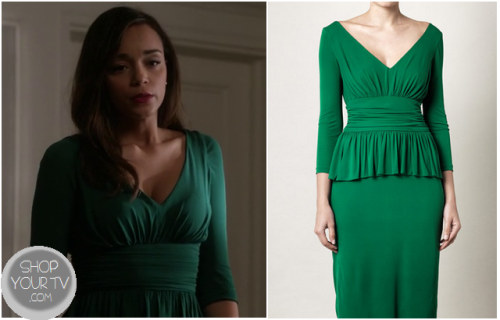 Ashley Davenport (Ashley Madekwe) wears this pretty green v neck dress with a peplum waist, in this week's episode of Revenge.It is the Alexander McQueen Peplum detail crepe-jersey dress.You can buy it HERE from Matches for $550Or from FarFetch for $1736