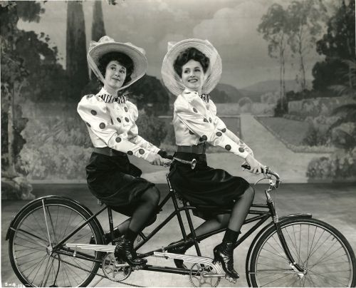 ridesabike:  Joan Davis and Constance Moore ride a bike.
