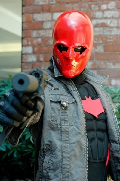 bestofcosplay:  Red Hood cosplayer a http://bit.ly/Yg0gq3