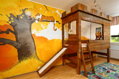 Calvin & Hobbes nursery, complete with a fort for sleepingimgur.com  Love it.