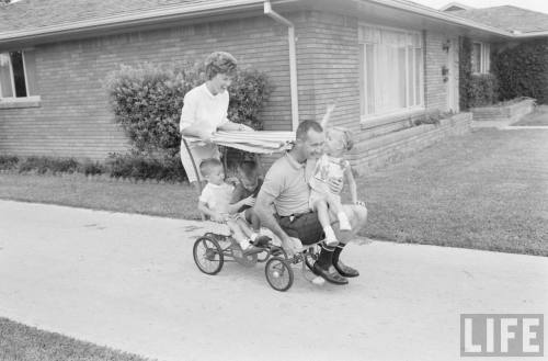 lightthiscandle:  The McDivitts go for a ride, 1963.