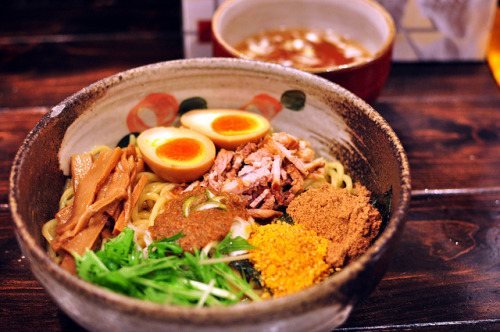 ileftmyheartintokyo:  油そば 椿@上野 by Nekousa on Flickr.
