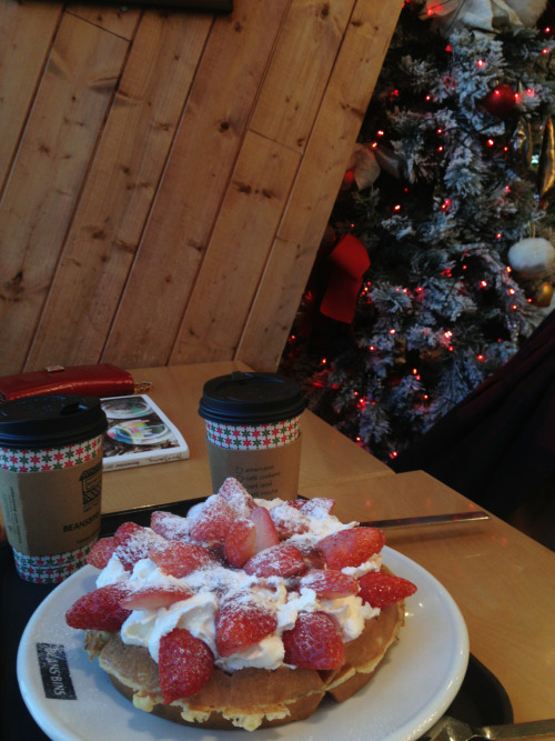 2012.12.04  Strawberry waffle with black coffee and a christmas tree.  Dongdaemun, seoul, korea.
