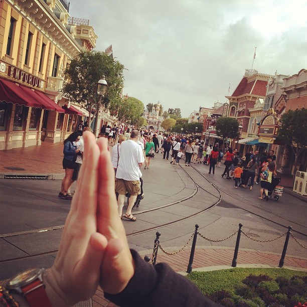 High five!! We're at Disneyland!! @meg_ben #love #whentheboysareawaythegirlswillplay