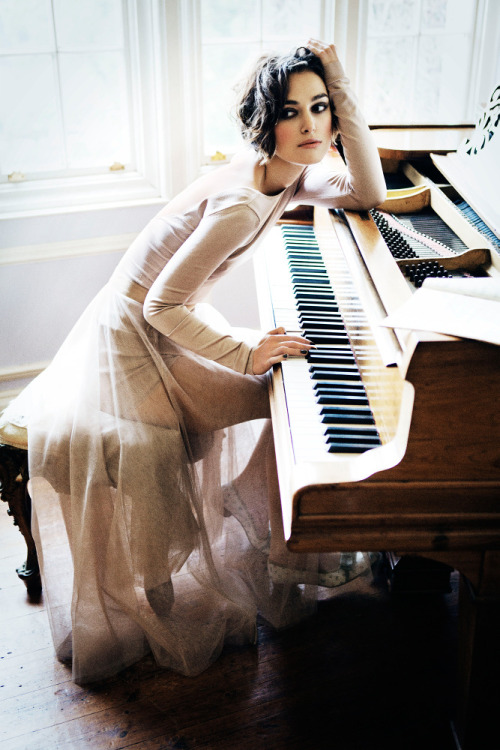 pedalfar:  Keira Knightley by Ellen Von Unwerth for Vogue 2011 | Photoshoot