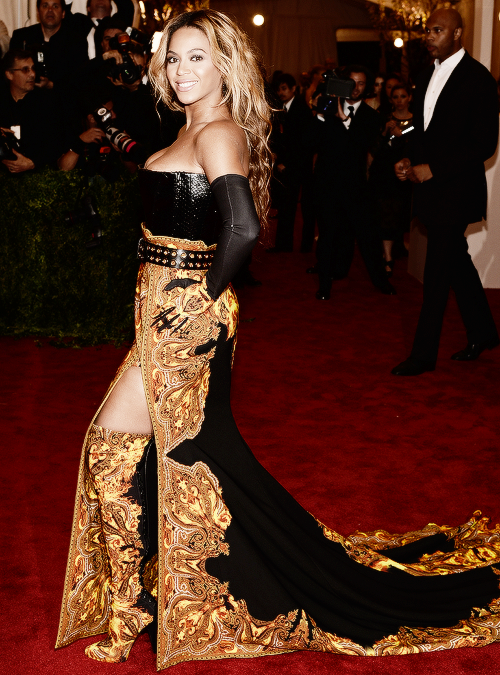 Beyoncé @ the 2013 MET Gala [HQ Source]
