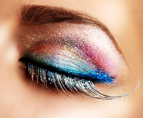"When it comes to glitter makeup, our mantra is ""go big or go home!"" Check out our awesome glitter beauty finds - all under $20! Photo source: Shutterstock.com"