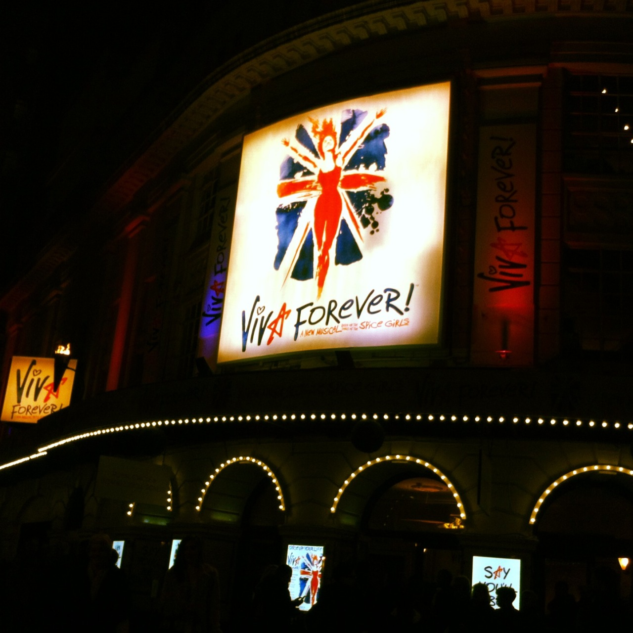 VIVA FOREVER it was sooooo good <3
