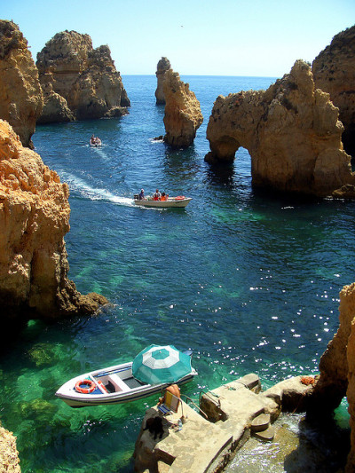 visitheworld:   Ponta da Piedade on Algarve Coast, Portugal (by elsextoreplicante).