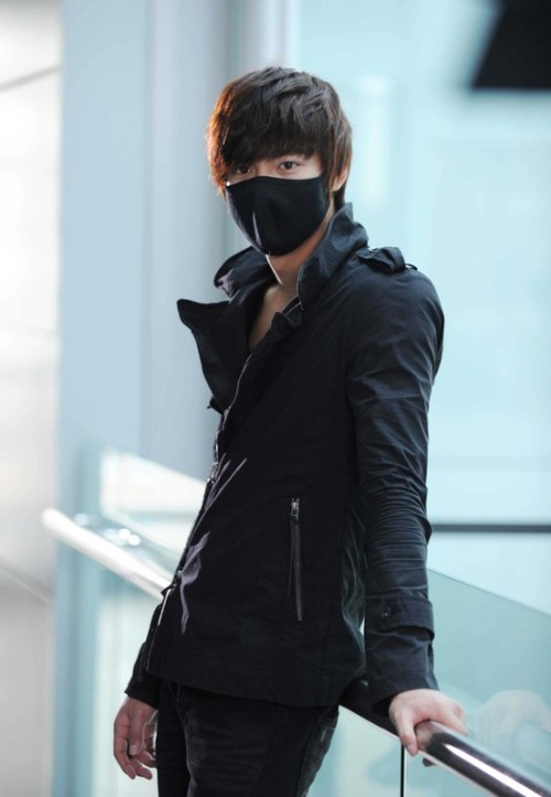 stikerup:  City Hunter - Lee Min Ho