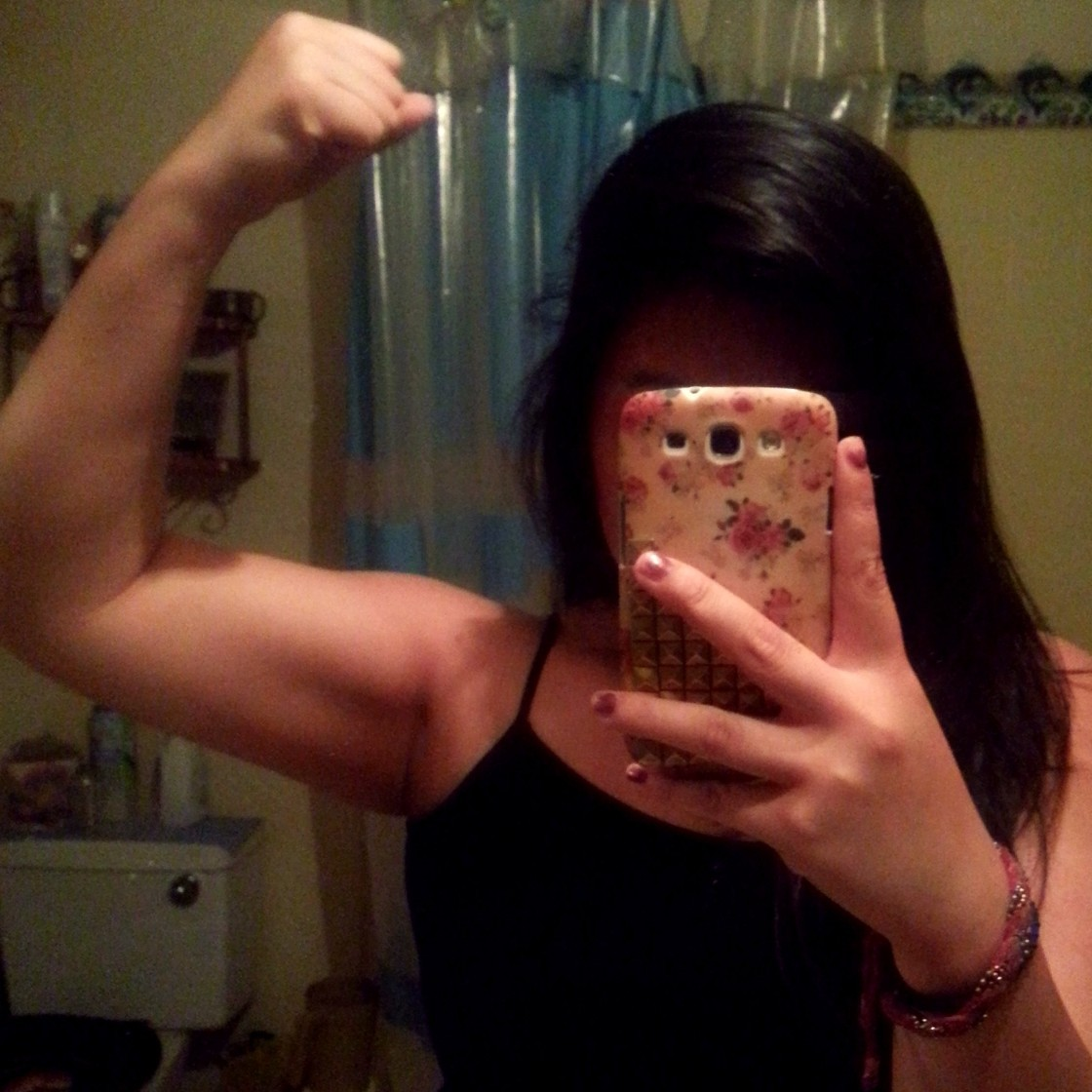 shortneyx3fitness:  Progress (Arms):  3 Sets of 14 Each, Two Cycles - 60 lb Arm Curls - 40 lb Lat Raises  - 50 lb Tricep Curls  - 75 lb Seated Rows My arm routine at the MINIMUM. **These numbers have changed just recently (went one weight plate up and added 2 reps last week). I hope you guys are continuing what you do and I'm so proud of those who message me and really keep up with the plan I give them. Good job! Keep it up sexy people (:   - Shortney