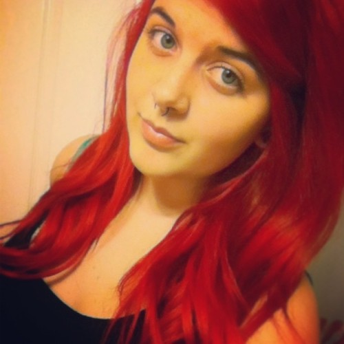 Sigh I miss my red hair 😭