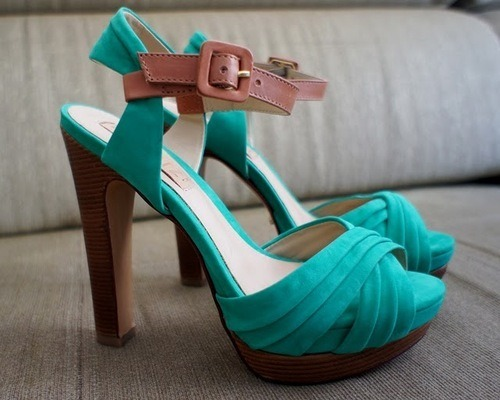 pinky-promises-for-the-stars:  :3 amazing grren heels