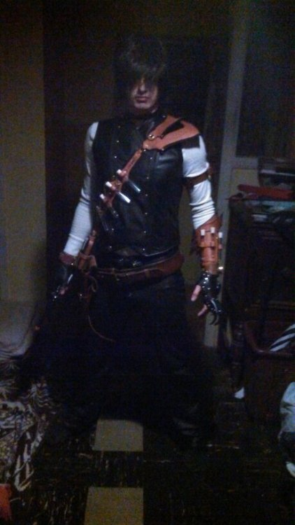Working on my steampunk character for the world fair next month, I think it is coming along quite nicely. still missing the leg armor, and another arm belt. thinking of changing the shirt to a burgundy.