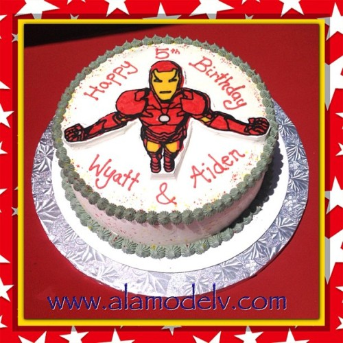 Superhero 5th Birthday celebrations for Wyatt & Aiden. Celebrating in style with an Iron man cake. If Iron Man - Tony Stark loves gluten free waffles for breakfast you know he'll just love a slice of this cake! 😉😋 we'll be keeping a look out for an order from Jarvis soon!   Yummy gluten free, vegan, corn free, rice free & soy free and made with 100% organic ingredients.   #bakery  #cornfree  #celiacawarness #foodporn #glutenfree  #lasvegas #livingglutenfree  #organic #purevegan #plantfoodforpeople #ricefree #soyfree #vegan #vegas #veganfood #veganmofo #vegansofig #veganvegas #veganbakery #vegancookies #veganfoodshare  #veganspin  #healthyeah #FoodNetworkFaves  #ironman #webstapick