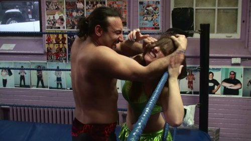Brooke vs Carlos at Mutiny Wrestling.