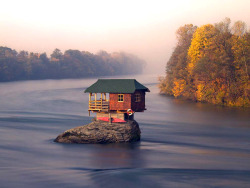 art-and-fury:  Drina River house