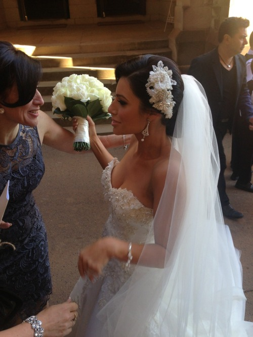 livingitupinstyle:  Rachael-lee beautiful bride