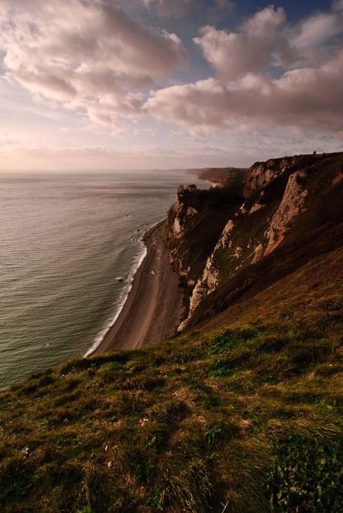 laekur:  Beer Cliff Tops by James Charlick