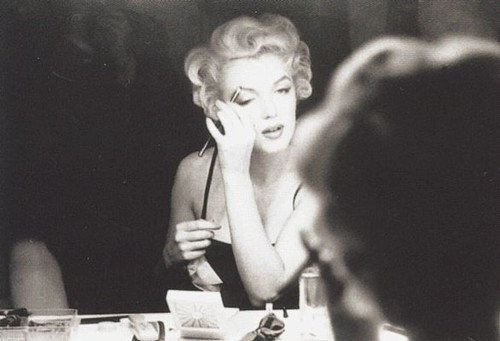 thebeautyofmarilyn:  Marilyn photographed by Sam Shaw, 1954.