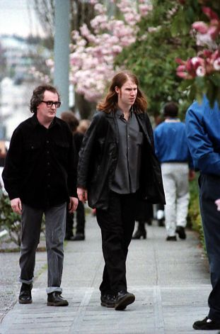 fuckyeamarklanegan:  naturalbabekiller:  Mark Lanegan, Kurt's memorial service, 10th of april.  With British music writer Everett True.