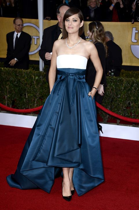 glamour:  Marion Cotillard, looking lovely in Christian Dior. Who gets your vote for best dressed at the SAG Awards?  LOVE!