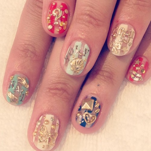 heynicenails:  Close-Up of the Holy Nail's totally charming I Spy, All Gold Errythang, Negative Space Stripe Kitchen Sink Nails, for your viewing pleasure! (at Hey Nice Nails)