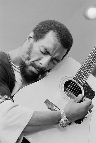 rollingstone:  Richie Havens, the folk singer and guitarist who famously opened the Woodstock Festival in 1969, died this morning from a sudden heart attack. Read our 1968 interview with Havens where he talks about finding unity and spiritual awakening in the West Coast.