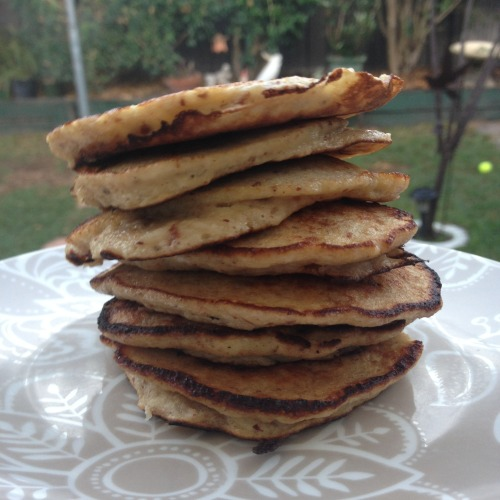 shendoll:  Wheat-free, milk-free banana pancakes! Who likes pancakes? Everyone. Who can do without the disgusting weighed down feeling and sugar highs/drops after eating them? Everyone. I recently came across this recipe and added a couple things to bulk it up a little and pack in even more good stuff! They look like normal pancakes, taste like Heaven on Earth, are low in carbs and sugar, takes no more than 10 minutes in total to make from start to finish and are just ridiculously good for you! This morning I covered mine in organic peanut butter and sprinkled with cinnamon. What you'll need (for around 9 small pancakes (just like in the photo): 2 small bananas (or 1.5 large) 2 eggs 2 tablespoons almond meal (in the health food section of my supermarket - also sometimes called almond flour or ground almonds) a dash of vanilla extract (and a spoonful of your favourite nut butter if you wish to bulk it up a little more) What you'll need to do: mash up the bananas mix in the eggs, almond meal and vanilla extract (and nut butter if you chose to add it) fry just like regular pancakes! Enjoy! :)