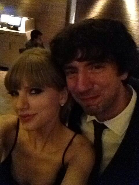 @garysnowpatrol Me and @taylorswift13 earlier. Had a wonderful night. Super fun.x pic.twitter.com/DBBnlHsvwv