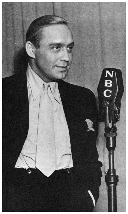 tonightsbroadcast:  Mr. Jack Benny Starting next Monday it will be Jack Benny Week here on Tonight's Broadcast in honor of Old Blue Eyes' birthday, February 14.  He would have been 39 this year.