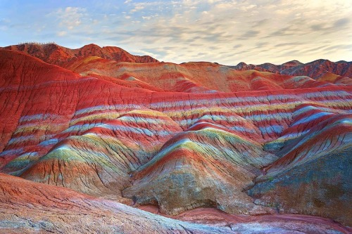 meancutie:  china's natural rainbow mountains