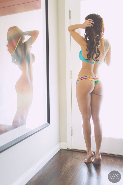 vanstyles:  Tianna and her reflection