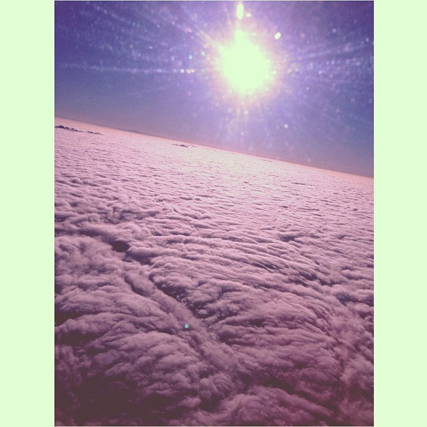 "jenner-news:  Kendall: ""sea of clouds. off to NYC!  #InFlightWifiIsBomb"""