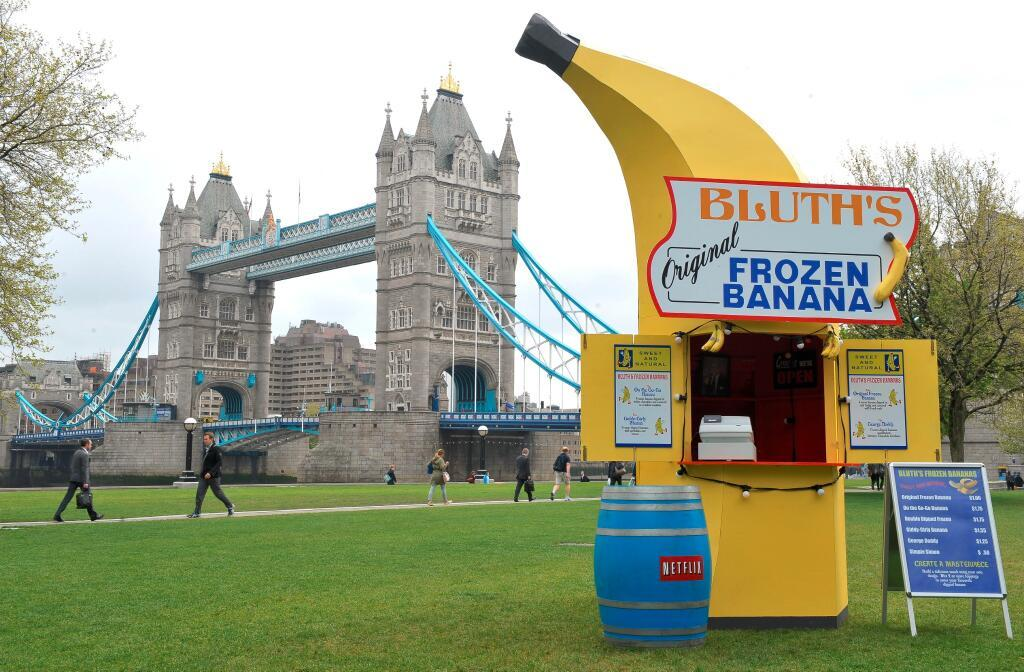 huffingtonpost:  huffposttv:  Bluth's Original Frozen Banana Stand is coming to a city near you.  The tour kicks off in London and travels across the pond and will likely pop up in New York and Los Angeles. Be on the lookout for cast members to make surprise appearances. You best believe I'm going to go to it in New York. This will be me:   This is the best news.