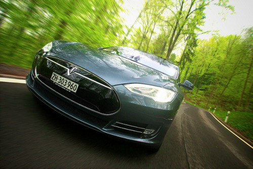 Tesla Model S Performance by @oliverswelt on Flickr.